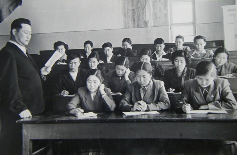 Korean students at Nizami's Tashkent State Pedagogic University